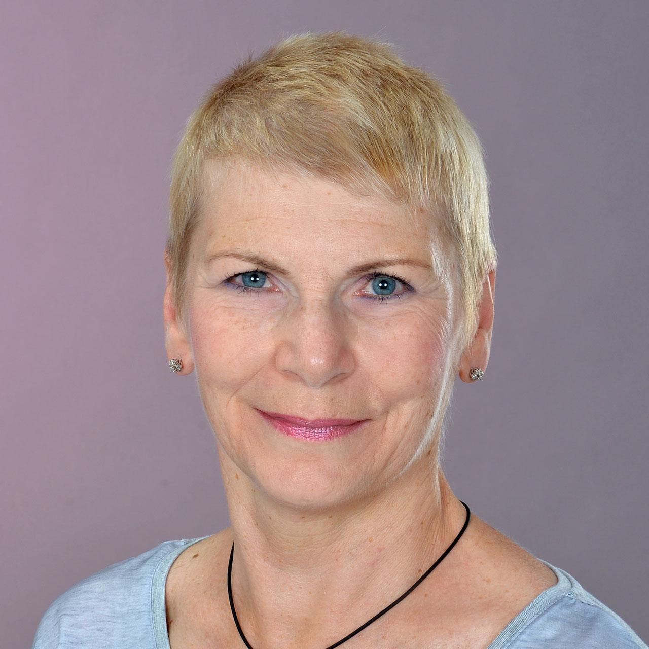 Roswitha Strauss ist staatlich anerkannte Kosmetikerin und Ernährungsberaterin
